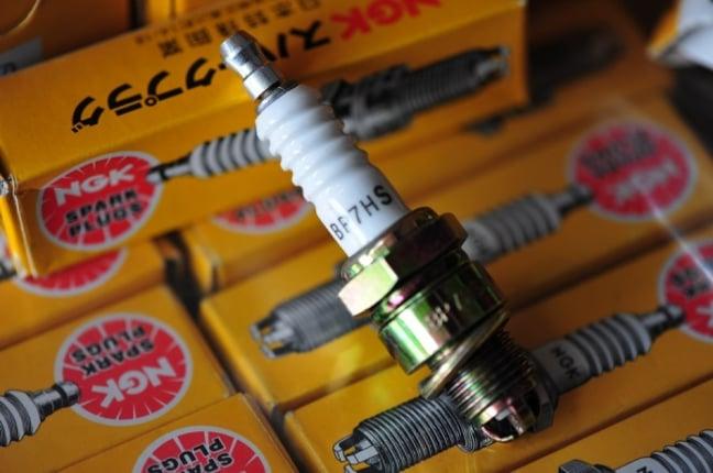 หัวเทียนNGK Made In Japan เบอร์7 สำหรับเครื่องเรือ รถ และอื่นๆ(ราคาเคลียสต๊อก) - Truck2Hand.com