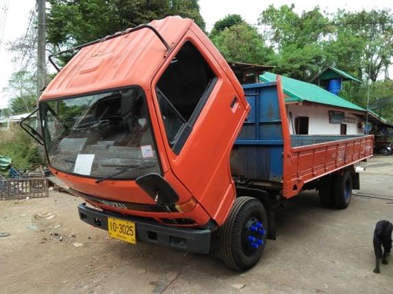 ขายอีซูซุ115 แรง..ยาว5เมตรครึ่ง098.4549988 - Truck2Hand.com