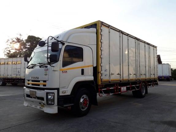 ขาย 6 ล้อ ISUZU หัวตึก 240 ตู้ 10 บาน ยาว 7.5 เมตร - Truck2Hand.com