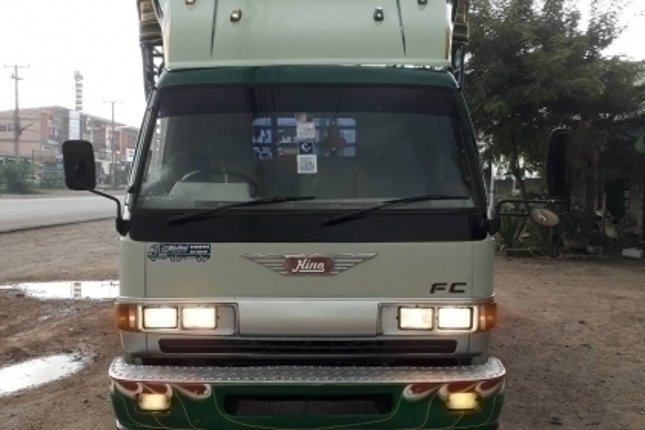 ขายครับ. Hino 6ล้อ FC 165 แรง ยาว 4.5 ม. สวยพร้อมใช้ ราคา 355,000฿ สนใจ 089-5367218 081-4252943 - Truck2Hand.com