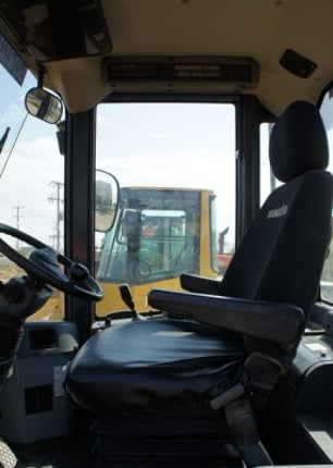WA100-5 ตัก 1.3 คิว ยกสูง 3.55 เมตร - Truck2Hand.com