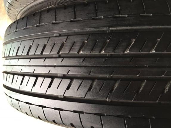 ล้อพร้อมยางบริสโตน215/65/16ปี20 ถอดป้ายแดง วิ่งมา4พันโล ขาย7900฿โทร.0879050181.จัดส่งได้ทั่วไทย - Truck2Hand.com