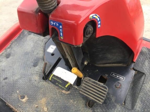 ขายรถตัดหญ้านั่งขับ KIORITZ รุ่น KM960  เครื่องยนต์ VANGUARD 18แรงม้า สตาร์ทไฟฟ้า  คันใหญ่ รุ่นใหม่ นำเข้าจากญี่ปุ่นโดยตรง แท้100\% สภาพสวยเดิม ใช้งานมาน้อย ไม่เคยใช้ในไทย - Truck2Hand.com