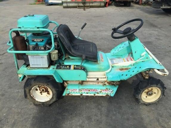 ขายรถตัดหญ้านั่งขับ ราคา 99,000บาท (**จัดส่งฟรีได้ทั่วไทย**) หลายยี่ห้อ KIORITZ KUBOTA VANGUARD สตาร์ทไฟฟ้า 14-18แรงม้า - Truck2Hand.com