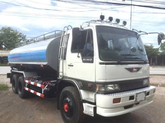 Hino KT925 10 ล้อ เพลาเดียว 195 แรง (รถบรรทุกน้ำ) - Truck2Hand.com