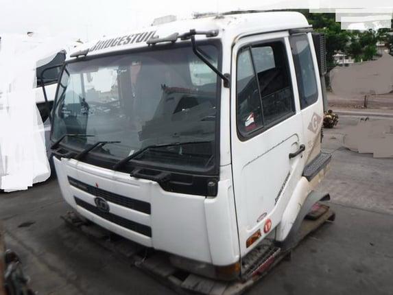 ขายหัวเก๋ง NISSAN UD 3 ใบปัด เกียร์ธรรมดา กระจกไฟฟ้า เก่านอก สภาพสวย 084-5424150 ไม่มีผุครับ - Truck2Hand.com