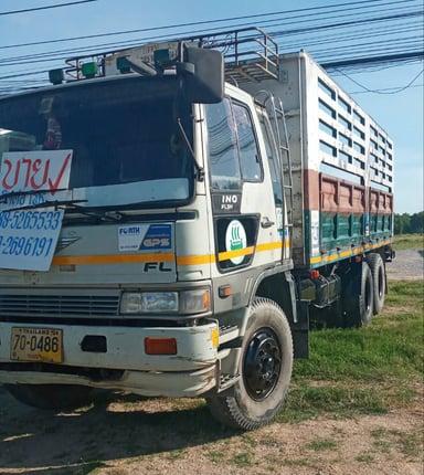 รถบรรทุก Hino 10 ล้อ เพลาเดียว ปี 36 สีขาว สภาพพร้อมใช้ มือเดียว - Truck2Hand.com
