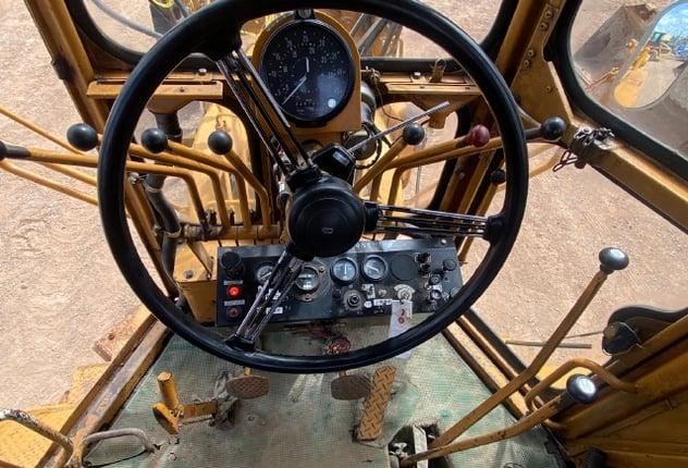ขายรถเกรด KOMATSU GD37-6H นำเข้าจากญี่ปุ่น พร้อมใช้ มีVDOการทำงานครับ - Truck2Hand.com