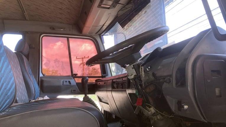 ขาย 675,000 รถหกล้อติเครน Hino FD1J  - Truck2Hand.com