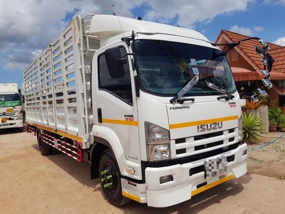 ISUZU 6 ล้อ (คอกรั้ว) FRR-210 แรงม้า ปี 59 สนใจติดต่อ 064-1642428 /094-8789199 พี่ชาย  - Truck2Hand.com