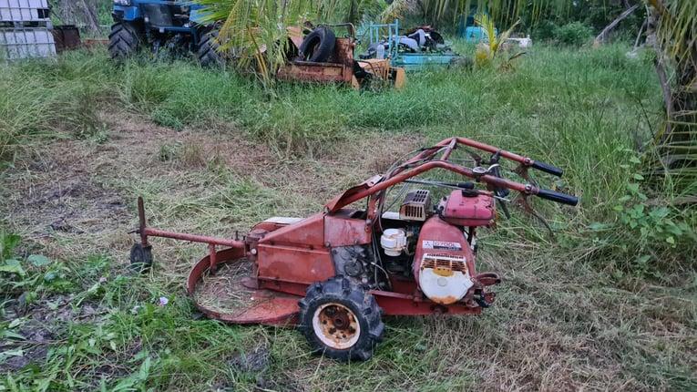 ขาย รถตัดหญ้า mitsubishi ขนาด 7 แรง แบบใบมีด เดินหน้า 2 เกียร์ ถอยหลัง 1 เกียร์ มี low-high พร้อมใช้ - Truck2Hand.com