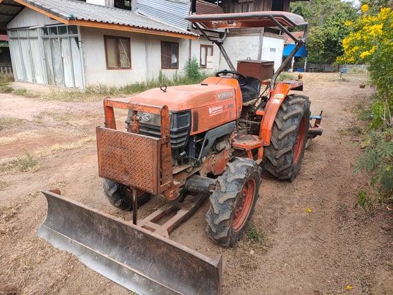 ขายด่วน รถไถ KUBOTA L4508 อุปกรณ์ ดันหน้า ผาน หลัง เอกสารเล่มทะเบียน รถใช้งานปกติ สนใจโทรสอบถาม 093-0764943 K ตั้ม - Truck2Hand.com