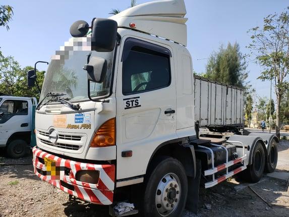 ขายหัวลาก HINO MEGA 320แรง ปี48 สภาพสวยพร้อมใช้งาน รถเดิมบาง คัชชีสวย ยางพร้อมใช้งาน เครื่องเกียร์ดี รถเดิมๆๆไม่เคยโดน เอกสารเล่มทะเบียน พร้อมโอน สนใจสอบถาม 0930764943 K ตั้ม  - Truck2Hand.com