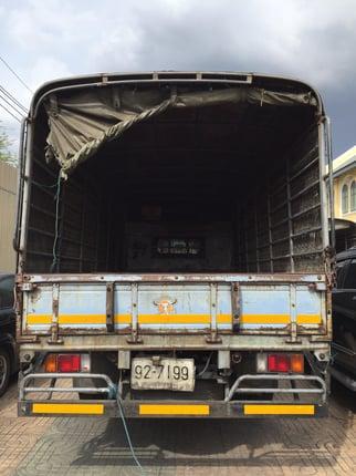 ขาย รถ6ล้อ ISUZU NPR 120แรงม้า ปี40 ออกห้างแท้ วิ่งส่งของในกรุงเทพ - Truck2Hand.com