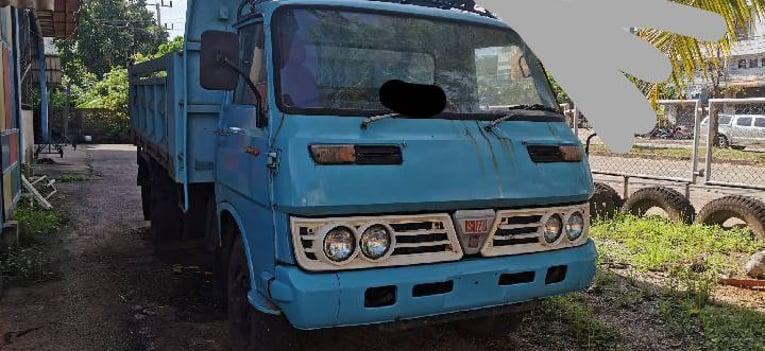 21/11/63.ขายหกล้อดั้มพ์ISUZU100แรง พร้อมโอน - Truck2Hand.com