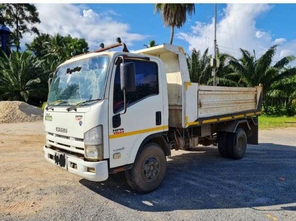 ISUZU NPR 150 แรง ปี56  - Truck2Hand.com